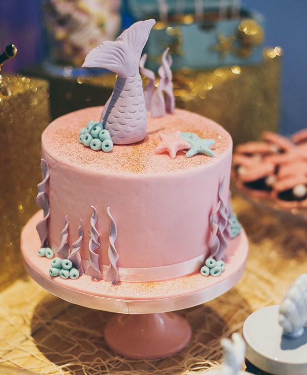 festa-di-compleanno-torta-rosa
