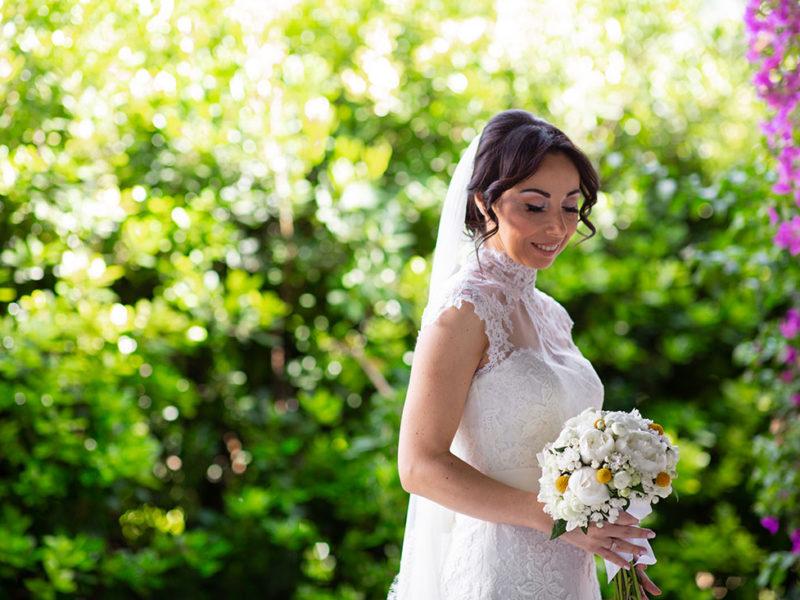 Wedding Apulia bride and bouquet