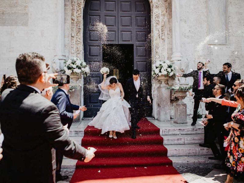 matrimonio glamour uscita chiesa