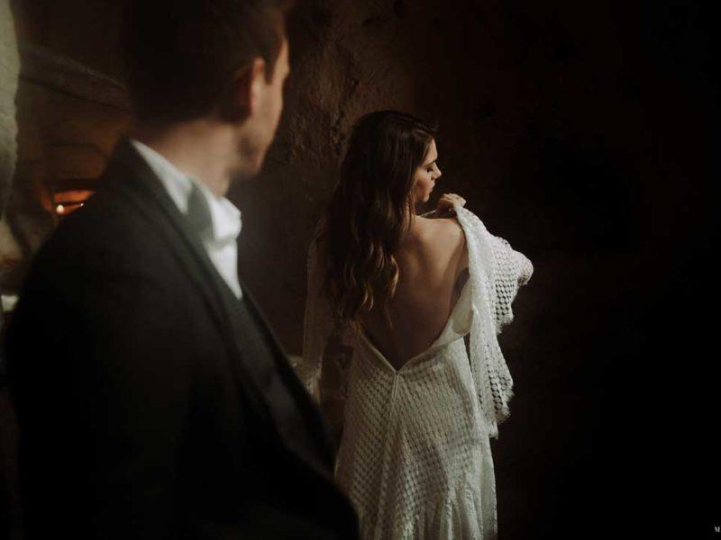 matrimonio boho chic inspiration matera preparazione sposa di spalle