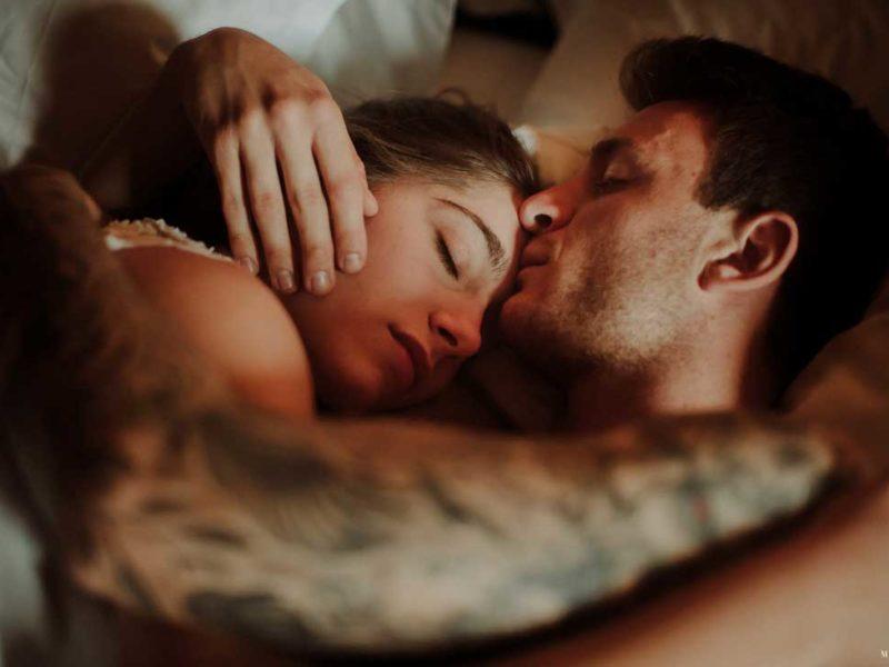 matrimonio boho chic inspiration matera sposi a letto