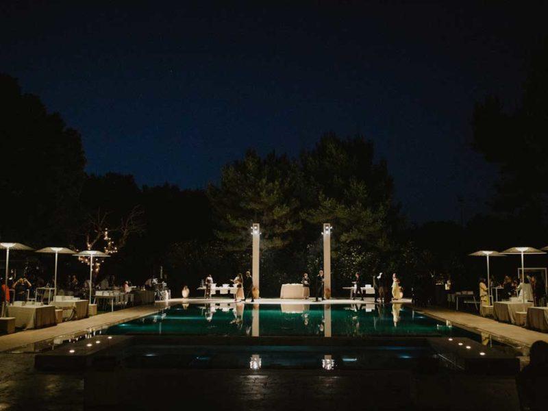 matrimonio glamour piscina