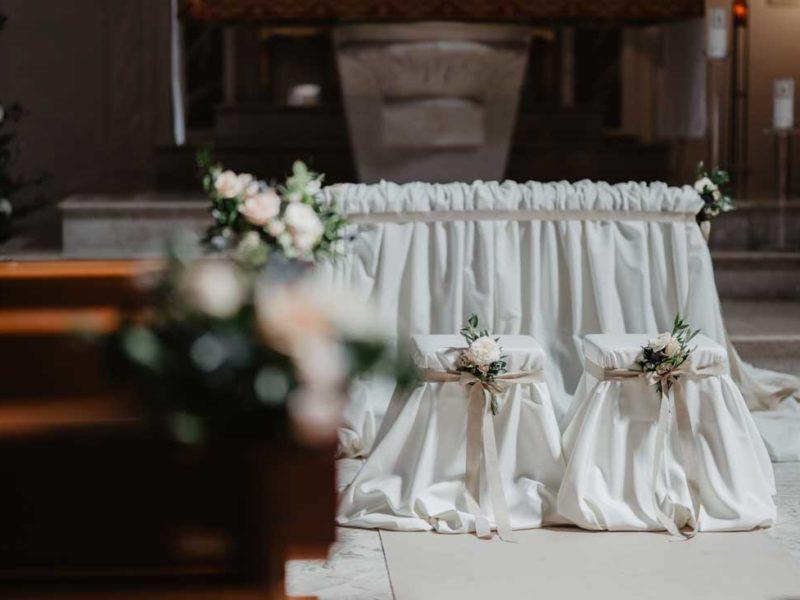 matrimonio glamour posti sposi in chiesa