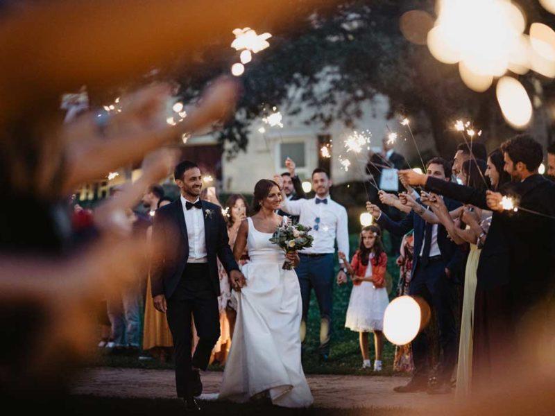matrimonio glamour sposi e stelle filanti