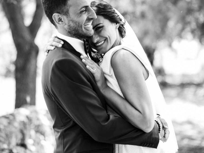 matrimonio glamour sposi sorridenti