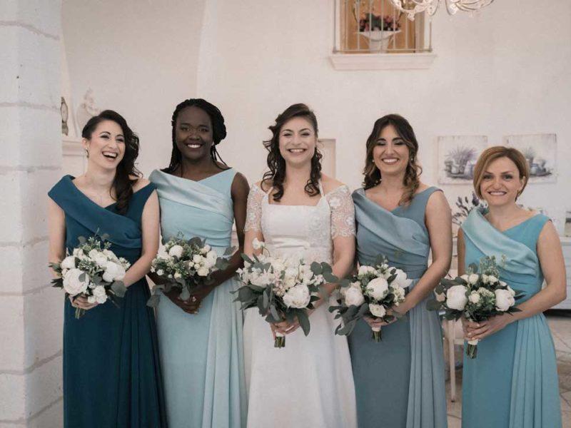 wedding in puglia sposa con amiche