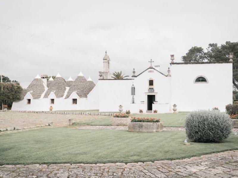 wedding in puglia trulli e chiesa