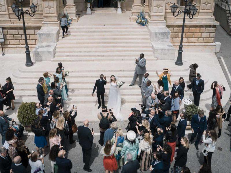 wedding in puglia uscita dalla chiesa