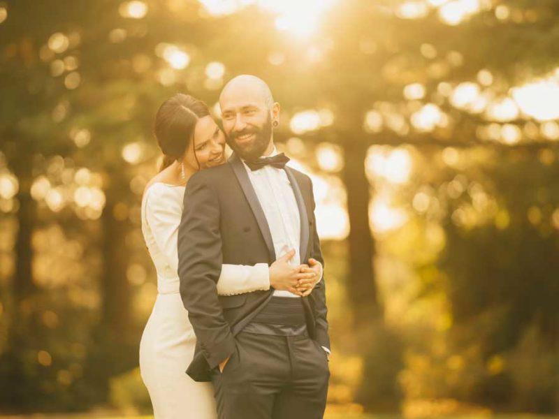matrimonio glamour giulio e giulia abbraccio