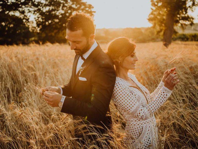 wedding in puglia angelo e celeste con spighe di grano