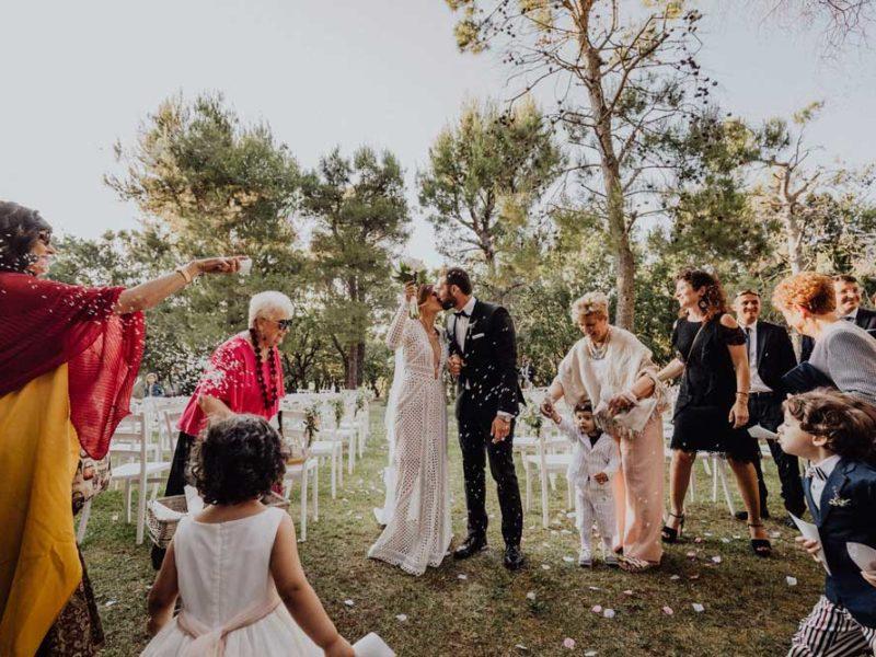 wedding in puglia angelo e celeste lancio del riso