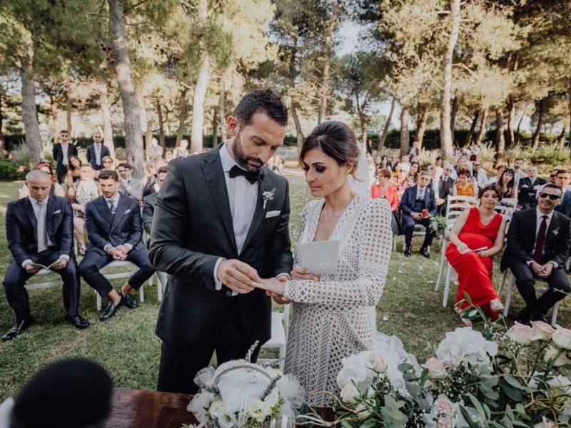 wedding in puglia angelo e celeste scambio degli anelli