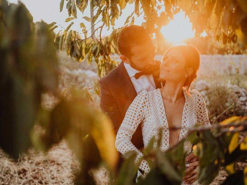 wedding in puglia angelo e celeste sguardi tra le foglie