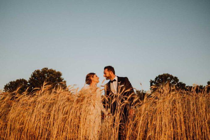 wedding in puglia angelo e celeste spighe di grano tramonto