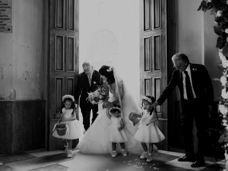 wedding in puglia marco e viviana entrata della sposa