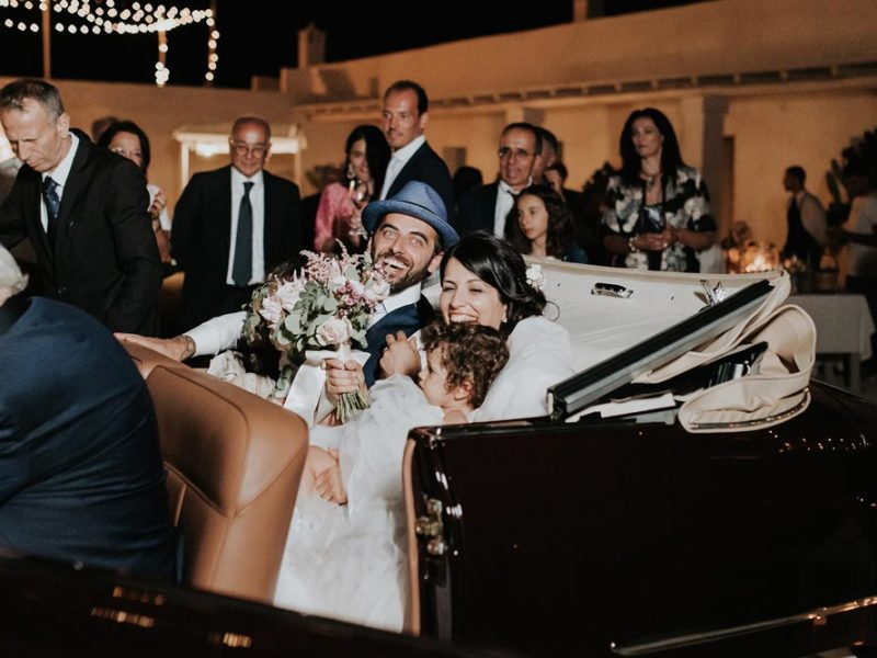 wedding in puglia marco e viviana in macchina