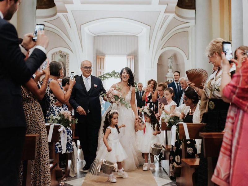 wedding in puglia marco e viviana ingresso sposa