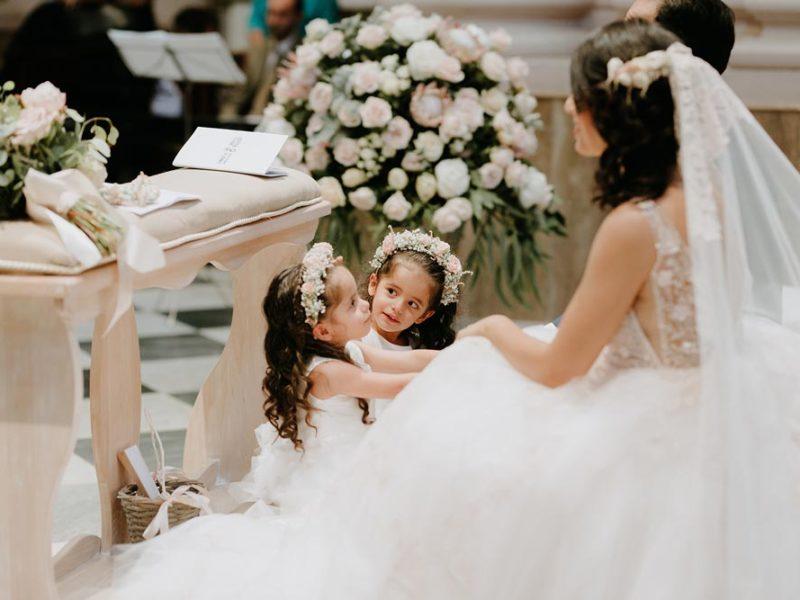 wedding in puglia marco e viviana sposa e bimbe