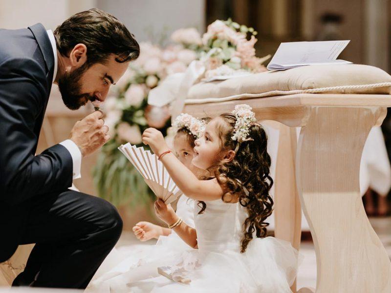 wedding in puglia marco e viviana sposo e bimbe