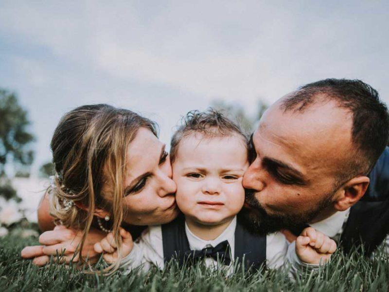 wedding in puglia pasquale e renee bacio a mattia
