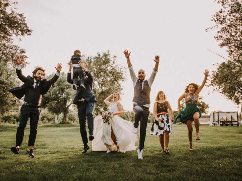 wedding in puglia pasquale e renee divertenti con amici