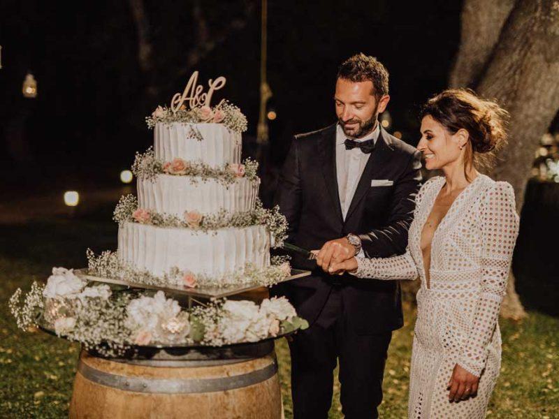 wedding in puglia taglio della torta angelo e celeste